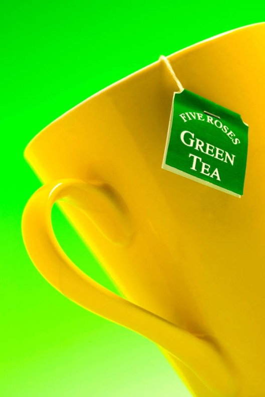 Have a cup of green tea, and drink to your health.(© All Rights Reserved)