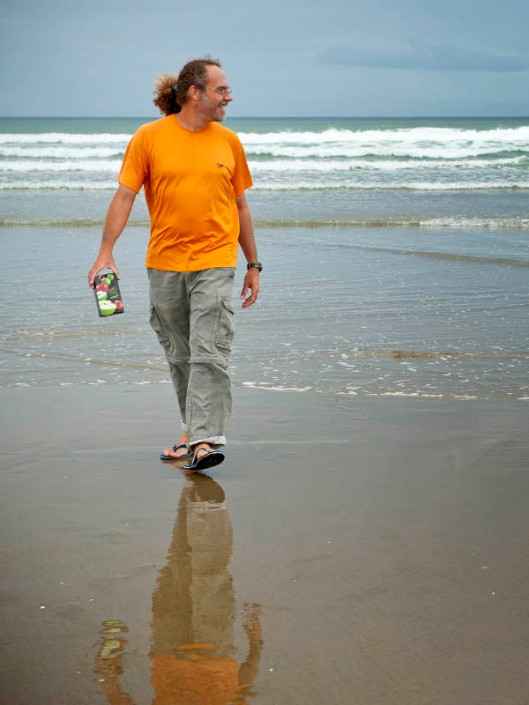 No matter what the rest of your attire, jandals are compulsory beach wear!(© All Rights Reserved)