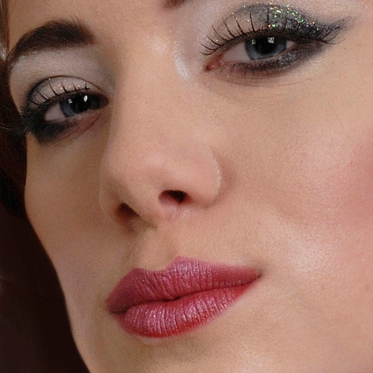 Appreciating lips - multi-functional and fascinating.(© All Rights Reserved)